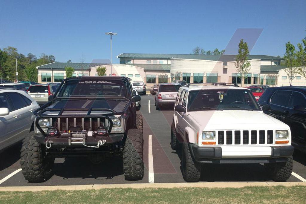 AlphaVinyl_Jeep_Cherokee_Comparison_xj_hood_blackout_stripe