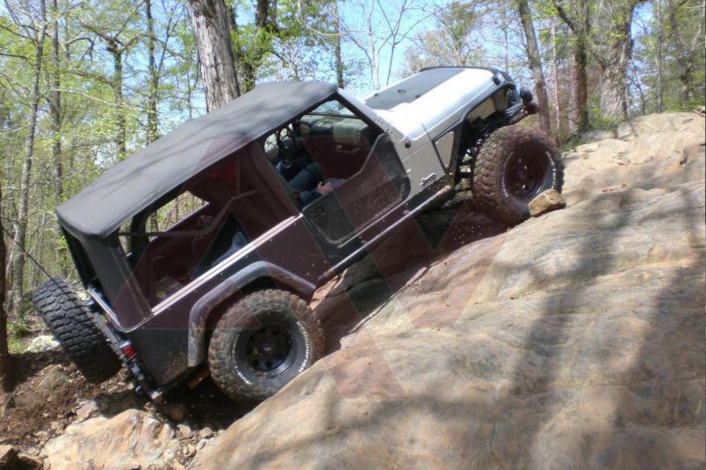Jeep_LJ_HoodBlackout