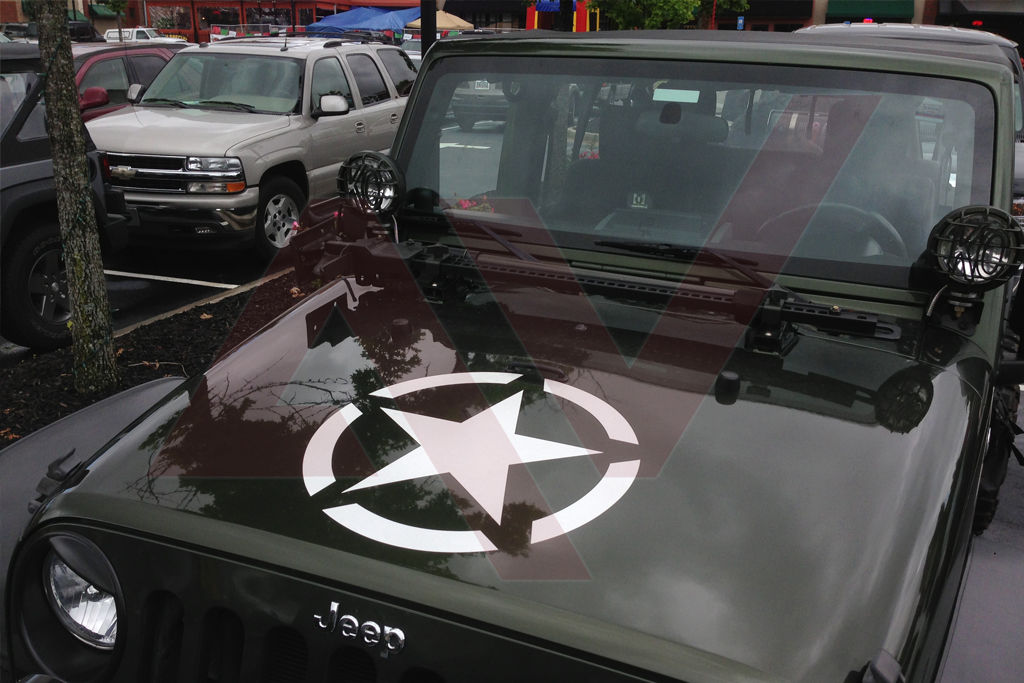 Jeep Hood Star on jeep grand cherokee off road