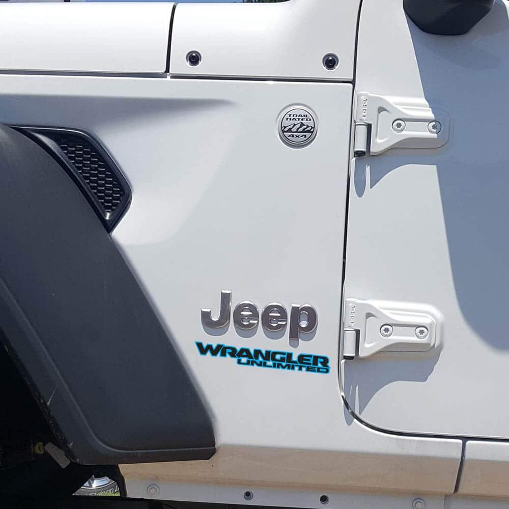 Wrangler-unlimited-jl-style-hood-blue-black