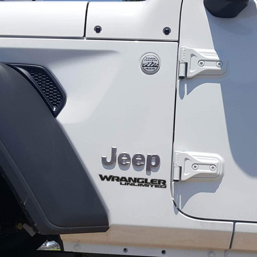 Wrangler-unlimited-jl-style-hood-decal-silver-black